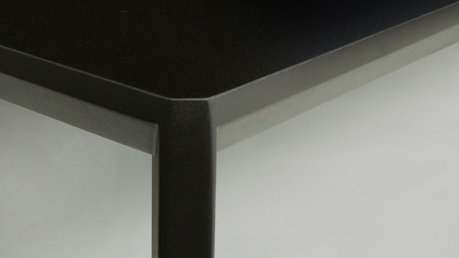 Metaform bt bijzettafel jan luppes interieurs melles interieur